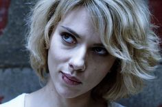 Scarlett Johansson Lucy character short wavy hairstyle  I love love love the way this looks