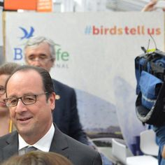 French #president François #Hollande visiting our BirdLife stand at the Climate Generations space at #COP21 in #Paris. #VIP #exciting #climatechange #climatechangeisreal #actnow #climatemarch #france #nature #thereisnoplanetb #naturelovers #nature by birdlife_int