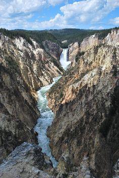 Lower Falls, Yellowstone National Park, Wyoming US