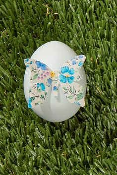 Use these creative egg painting ideas to make stunning Easter eggs this year. Easter Egg Designs, Easter Ideas, Easter Recipes, Fun Easter Games, Easter Celebration, Egg Decorating, Easter Crafts, Easter Decor, Easter Wreaths