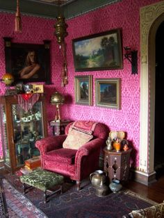 ~ artist Gail Potocki's living room