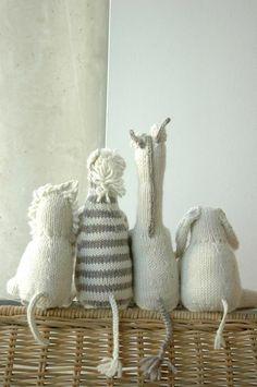 Knitting pattern for safari animals