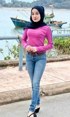 Hijab Teen, Arab Girls Hijab, Girl Hijab, Muslim Girls, Beautiful Muslim Women, Beautiful Hijab, Muslim Fashion, Hijab Fashion, Moslem