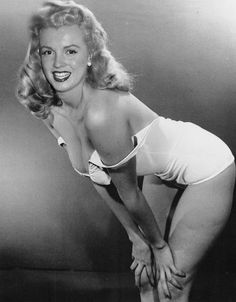 Norma Jean Mortenson Then Changed To Norma Jeane Baker aka Marilyn Monroe (1940s)