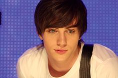 Aaron Johnson as Robbie in Angus, Thongs, and Perfect Snogging (2008).
