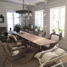 Patio Decor, Dining Room Design, House Interior Decor, Rustic Dining Room, Interior, Farmhouse Dining Room, Dining Room Small, Country Home Decor, Home Decor