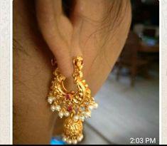 Gold Jhumka Earrings, Jewelry Design Earrings, Gold Earrings Designs, Beaded Jewelry, Gold Necklace, Jewellery, Gold Jewelry Simple, Gold Bangles, Siri