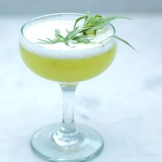 Healthy Cocktail - The Skimlet