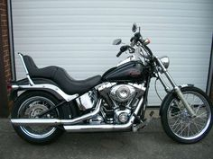 2009 Harley-Davidson Softail Custom in Black