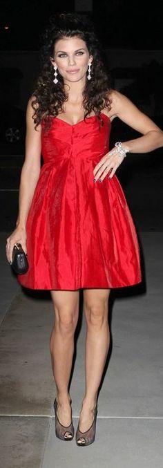 AnnaLynne McCord: Dress – Jill Stuart  Shoes – Christian Louboutin  Jewelry – Van Cleef & Arpels