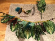 Jungle costume belt leaves and feathers