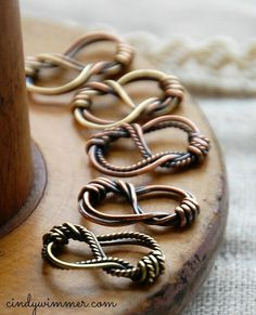 """Sailor's Knot wire link by Cindy Wimmer featured in """"The Missing Link"""""""
