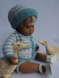 Sweet-Baby-Ducklings-Beautiful-Hand-Knitted-Outfit-for-12-Sasha-Doll