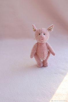 Fiat 500c, Three Little Pigs, Little Doll, Diy And Crafts, Teddy Bear, Dolls, Felting, Cute, Cottage