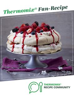 Mixed berry pavlova stack by Thermomix in Australia. A Thermomix <sup>®</sup> recipe in the category Baking - sweet on , the Thermomix <sup>®</sup> Community. Recipe Mix, Christmas Cooking, Christmas Desserts, Gourmet Recipes, Sweet Recipes, Coulis Recipe, Christmas Pavlova, Berry Coulis