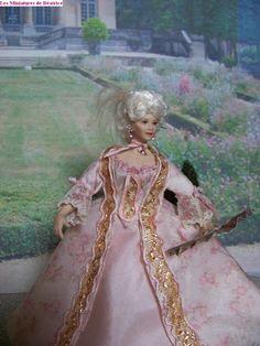 Marie Antoinette au Trianon by Béatrice Thiérus Miniature Houses, Miniature Dolls, Fabric Dolls, Paper Dolls, Madame, Fashion Fabric, Marie Antoinette, Porcelain, Princess Zelda