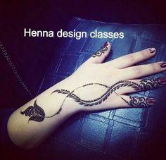 how to make henna mehndi designs Cute Henna Designs, Arabic Henna Designs, Simple Mehndi Designs, Cool Henna, Simple Henna, Easy Henna, Mehndi Tattoo, Henna Mehndi, Henna Art