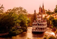 """If we were going to spend a """"perfect"""" day in Tokyo Disneyland, these are the attractions we would do, the restaurants at which we'd dine, the shows we'd se"""