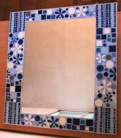 Mosaic Tile Art, Mosaic Mirrors, Flora, Frames, Painted Mirror Frames, Frame Mirrors, Mosaic Tray, Mirror Mosaic, Mosaic Ideas
