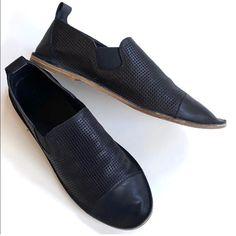 Vince Shoes | Vince Leather Flats | Poshmark Witch Shoes, Black Leather Flats, Loafers Men, Loafer Flats, Oxford Shoes, Dress Shoes, Mens Fashion, Moda Masculina, Man Fashion
