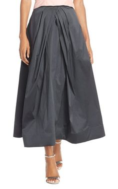 Taffeta Tea Length Skirt - What to wear in December to Christmas and Holiday Party + MORE! Find out on Styleblueprint.com
