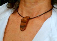 Wooden necklace. Colgante de madera. Jewelry, Fashion, Pendants, Wood, Jewlery, Moda, Jewels, La Mode, Jewerly