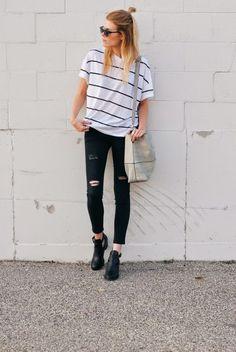 Pantaloni neri e ankle boot Tumblr Outfits, Mode Outfits, Fall Outfits, Casual Outfits, School Outfits, Casual Boots, Comfy Casual, Simple Outfits, Classy Outfits