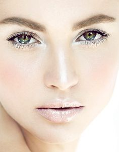 Makeup Tips For Winter Wedding : 1000+ images about Winter bride on Pinterest Winter ...