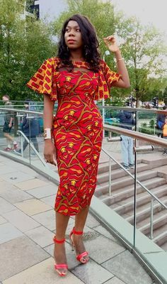 Shake the Fashion Table With These Beautiful Kente Styles - Sisi Couture African Dresses For Women, African Print Dresses, African Attire, African Fashion Dresses, African Wear, African Women, Ghanaian Fashion, Ankara Fashion, African Prints