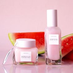 Glow Recipe introduces a new watermelon-powered daytime gel moisturizer! Remember that delicious Watermelon Glow Sleepin. Aloe Vera, Sephora, Watermelon Glow Sleeping Mask, Natural Hair Mask, Natural Skin, Natural Makeup, Baking Soda Uses, Moisturizer With Spf, Homemade Moisturizer