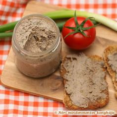Nóri mindenmentes konyhája: Házi májpástétom Liver Recipes, Clean Recipes, Cooking Recipes, Quick Easy Healthy Meals, Healthy Snacks, Healthy Recipes, Food 52, Diy Food, Hungarian Recipes