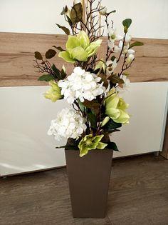 Evergreen Garden, Vases Decor, Margarita, Flower Arrangements, Diy And Crafts, Neutral, Spring, Flowers, Home Decor