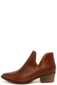 Giddy up and get a pair of the Steve Madden Austin Cognac Leather Ankle Booties before they're gone with the wind! Sleek genuine leather…