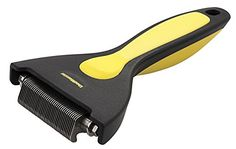 Oster ShedMonster De-Shedding Tool for Fine or Short Coats -- Find out more about the great product at the image link. (This is an affiliate link and I receive a commission for the sales) Dog Grooming Supplies, Cat Grooming, Dog Food Storage, Dog Shower, Dog Shedding, Dog Eyes, Dog Diapers, Dog Travel, Outdoor Dog