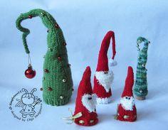 Three santa and a large Christmas tree knitting by simplytoys13