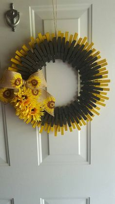 Sunflower Clothespin Wreath Things I Like Pinterest Wreaths Clothes Pin Wreath And Crafts