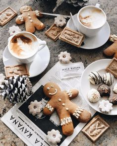 35 Ideas photography winter cozy christmas trees for 2019 whitechristmas allthingschristmas merrylittlechristmas christmasholidays christmasdecorations christmascookies christmascoffee winterholidays christmaslights Christmas Mood, Noel Christmas, Little Christmas, All Things Christmas, Christmas Cookies, Gingerbread Cookies, Gingerbread Man, Christmas Drinks, Christmas Images
