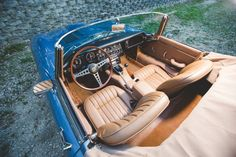 The Jaguar E-Type was released in 1961 to unanimous praise from both the motoring media and the general public. At the time most sports cars have live Jaguar Type, Jaguar Cars, E Type, Automotive Art, Cars And Motorcycles, Super Cars, Classic Cars, Ecommerce Store, Concept