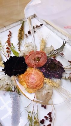 Flowers in Resin! - Your wedding flowers preserved forever! - Flowers in Resin! – Your wedding flowers preserved forever! Diy Resin Art, Diy Resin Crafts, Dried Flower Bouquet, Dried Flowers, Flowers In Resin, Ranunculus Flowers, Chrysanthemums, Pink Peonies, Daffodils