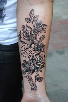 Half sleeve tattoo picture - 50 Amazing Tattoo Pictures  <3 <3