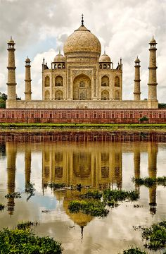 Taj Mahal, one of the most beautiful places on earth! :)