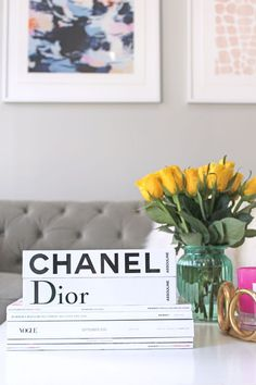 How to Style Your Coffee Table with Fashion Books II http://AMIXOFMIN.COM