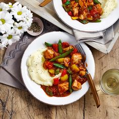 The Slimming World Diet cola chicken is one of our most popular dishes. Succulent chunks of chicken in a slightly sweet Syn-free sauce – what's not to love! Healthy Dinner Recipes, Diet Recipes, Vegetarian Recipes, Chicken Recipes, Chicken Meals, Healthy Chicken, Yummy Recipes, Slimming World Diet, Gourmet