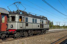 Bildresultat för äldre svenska personvagnar
