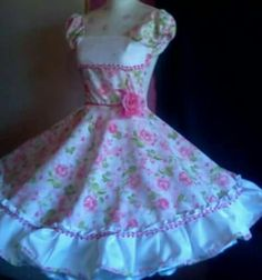 Chinita Beautiful Dresses, Ideias Fashion, Two Piece Skirt Set, Gowns, Summer Dresses, Formal, Pretty, Skirts, Outfits