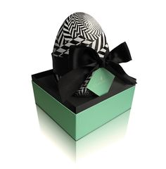 Claridge's London Chocolate Easter Egg. Tres chic!
