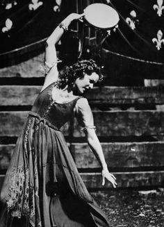Maureen O'Hara in The Hunchback of Notre Dame, 1939
