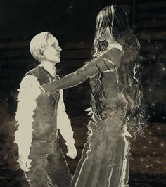 Ruvik and Laura hug gif Leslie Withers, The Evil Within Game, Hansel Y Gretel, Hug Gif, Mad World, Spideypool, Video Game Characters, Resident Evil, Horror