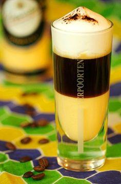 Kaffee Cocktails mit Eierlikör ''Kaffee-Cocktail Verpoorten-Brasil'' - Cocktails und Longdrinks mit Eierlikör   Verpoorten
