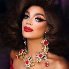 Valentina Drag Queen